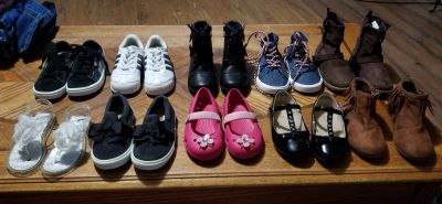 10 pairs of toddler shoes all size 8 **click on images to see all pairs**
