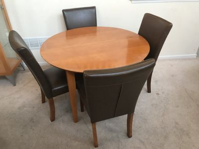 "5pc 48"" Round Maple Dining Table Set"