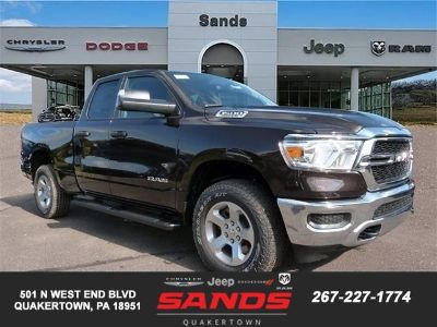 2019 RAM 1500 TRADESMAN QUAD CAB 4X4 6'4 BOX (Rugged Brown Paint)