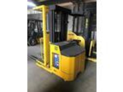 2005 Electric Yale OSO30 Electric Order Picker