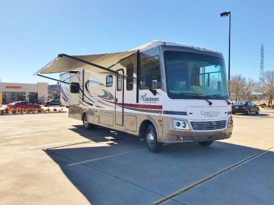 2013 Coachmen Mirada 32ds with 2 slides