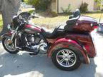 2014 Harley-Davidson FLHTCUTG Tri-Glide-Ultra Classic