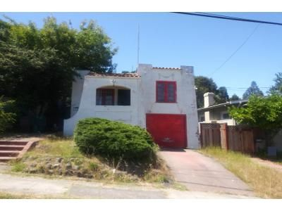 2 Bed 1 Bath Preforeclosure Property in Oakland, CA 94619 - Redding St