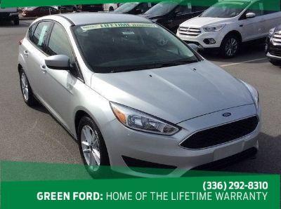 2018 Ford Focus SE (Ingot Silver Metallic)