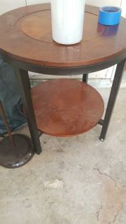2 end tables free