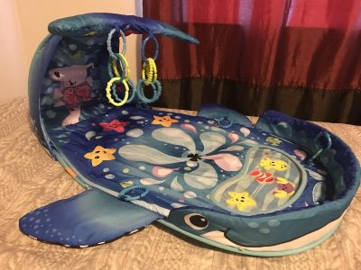 Infantino Whale Playmat