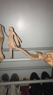 Size 7 rose gold 2in heels