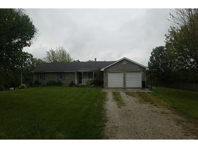 3 Bed 2.0 Bath Preforeclosure Property in Tonganoxie, KS 66086 - Hollingsworth Rd