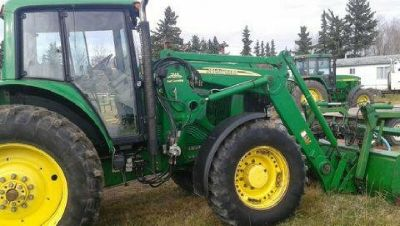 2005 John Deere 7220 for Sale in Barrhead, Alberta, Canada.