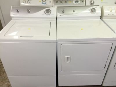 Maytag Washer and Gas Dryer Set in White