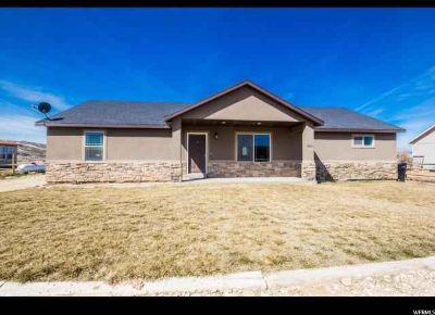 2826 S 2725 W Roosevelt Three BR, Great Home in with Horse