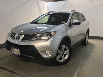 2013 Toyota RAV4 XLE (Magnetic Gray Metallic)