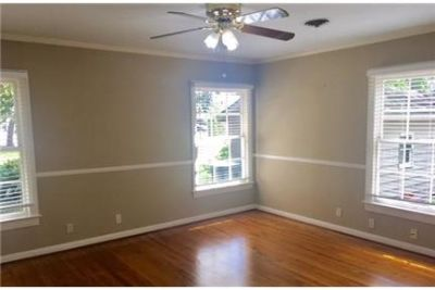 Beaumont, Great Location, 3 bedroom Apartment.