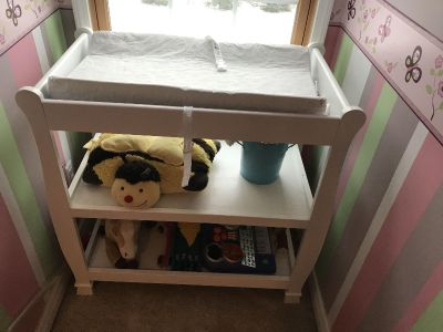 Sleigh baby changing table