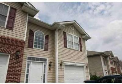 1824 King College Road Bristol, Nice condo in convenient Tn