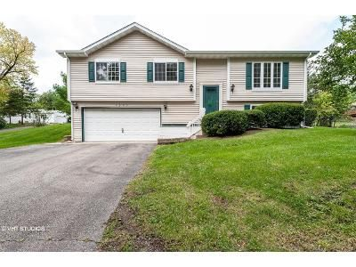 3 Bed 1 Bath Foreclosure Property in Wonder Lake, IL 60097 - Hilltop Dr