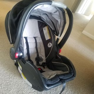 Graco click connect baby car seat