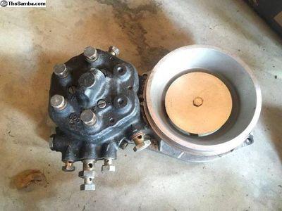 Volvo 240 Turbo CIS fuel metering head distributor