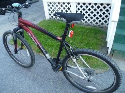 $450 OBO 2010 Mountain Bike- Like New