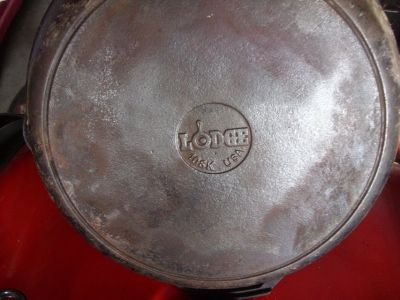 "lodge 12"" pan"