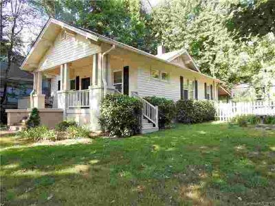 905 Kanuga Road HENDERSONVILLE Two BR, Adorable cottage in the