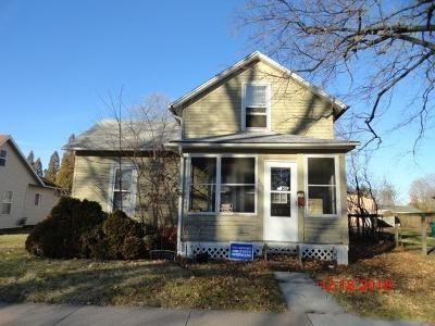 3 Bed 1 Bath Foreclosure Property in Macomb, IL 61455 - E Walker St