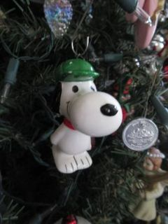 Vintage SNOOPY Christmas ORNAMENT Ceramic Peanuts Baseball Glove & Cap