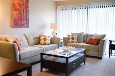 2 bedrooms Townhouse - Fairlane East Apartments is an apartment community in Dearborn.