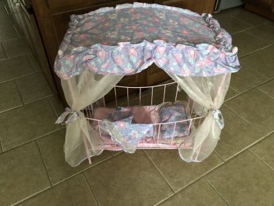 Metal Baby Doll Bed/Doll Clothes/Shoes