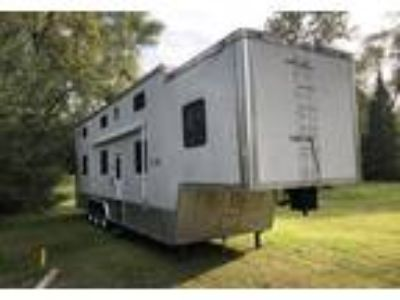 2006 Cargo Mate Stacker-USA 5th Wheel in Atwater, MN