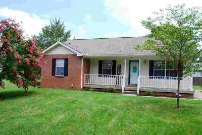 405 Indian Hills Ct GALLATIN, Well maintained Three BR 2
