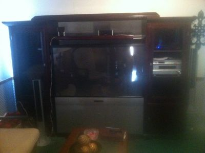 WOOD CABINET W/ ZENITH TV AND PIONEER SURROUND SOUND
