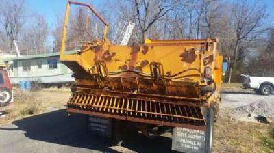 Tailgate for dump truck - Rock / Salt spreader - on Henderson bed