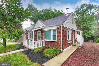 442 Lincoln Ave EPHRATA Three BR, Sweetheart of a property in