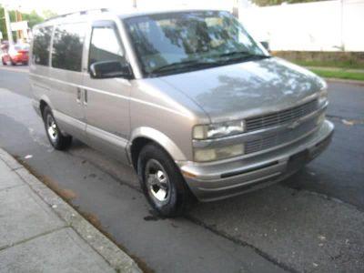 2002 Chevrolet Astro LS (Gray)