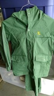 Bass Pro Shops two piece lightweight rain suit size small approximately size 10