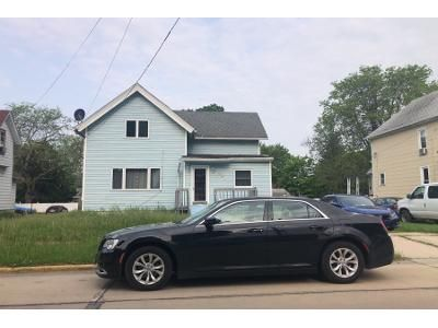 3 Bed 1 Bath Preforeclosure Property in Belvidere, IL 61008 - East Ave