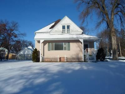3 Bed 3 Bath Foreclosure Property in Hayfield, MN 55940 - E Main St