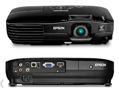 EPSON PROJECTOR WITH REMOTE AND CASE