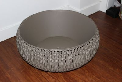 "Large Designer Planter * grey * 18"" diameter * NEW"