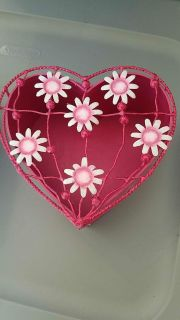 Heart box with lid