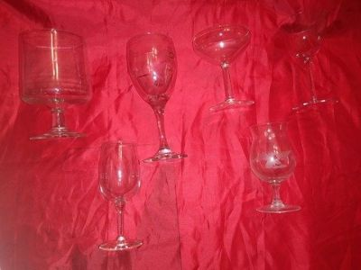 24 vintage bar glasses in excellent condition