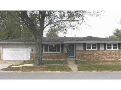 3 Bed 2 Bath Foreclosure Property in Griffith, IN 46319 - N Woodlawn Pl