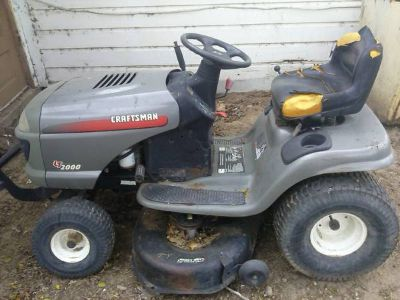 crastman lt 2000 riding lawnmower