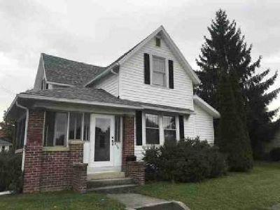 713 N Monroe Street Hartford City Three BR, This is Home!