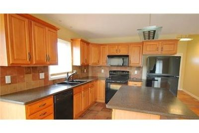 Stunning end unit Townhouse. Parking Available!