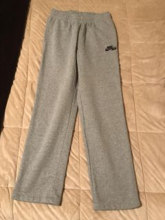 Nike Air sweatpants, thick & comfy size small
