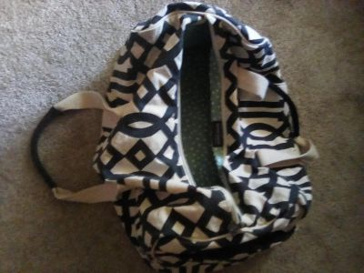 """The Royal Standard Collection duffle bag. 20"""" x 1 1"""" x 1 2"""" deep. 2 side pockets, zipper closure. Good condition"""