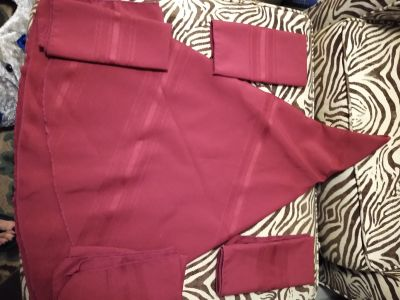 Red round cloth table cloth with 4 matching napkins