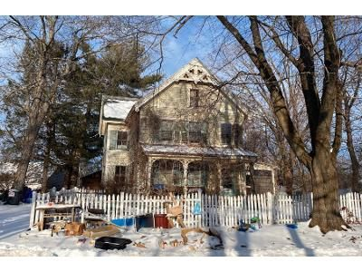 4 Bed 3 Bath Foreclosure Property in Southampton, MA 01073 - East St